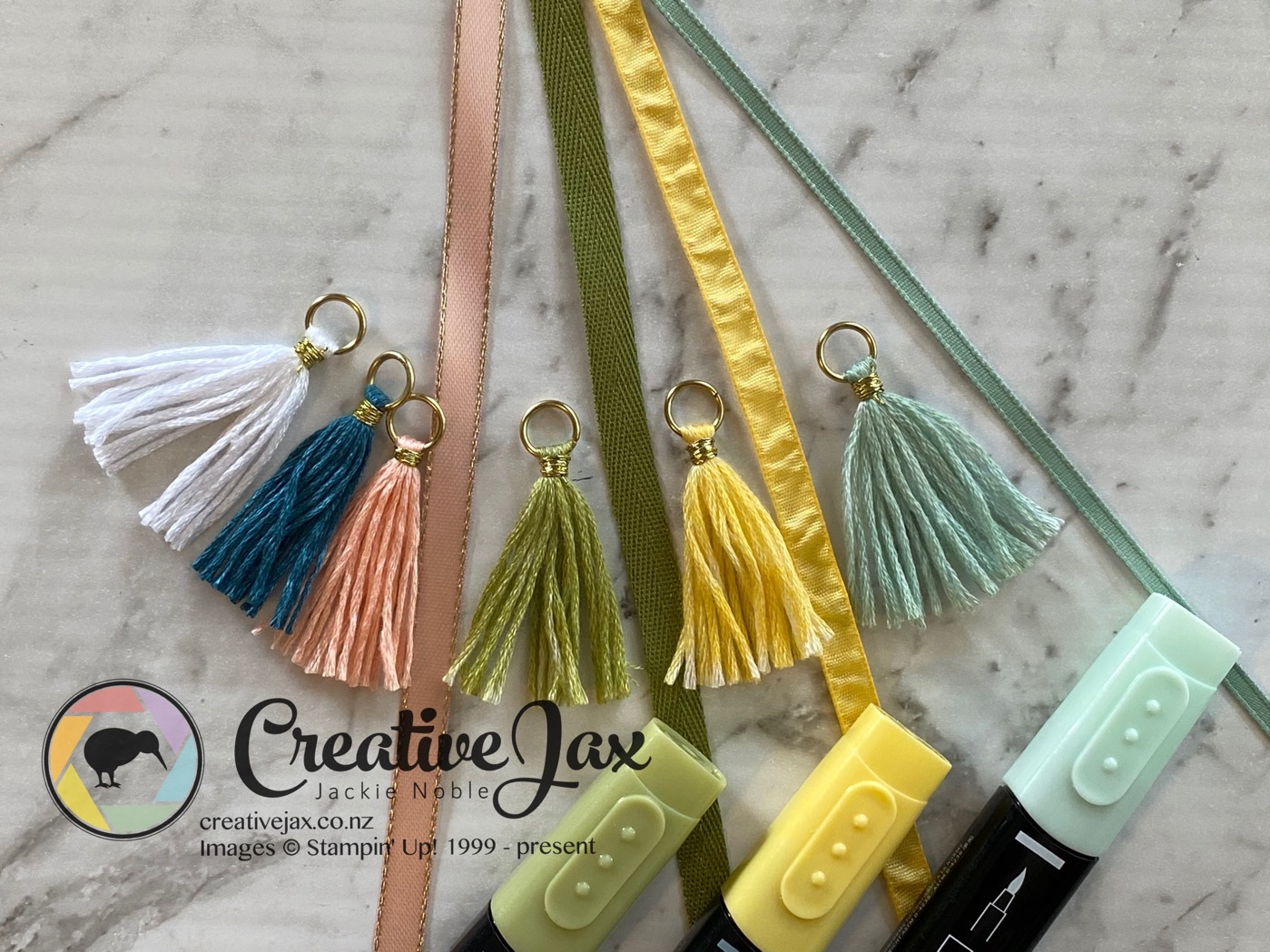 s, ribbon andtassels coloured with blends